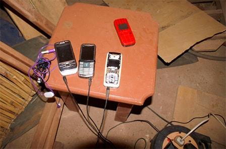 Mobiltelefoner til opladning