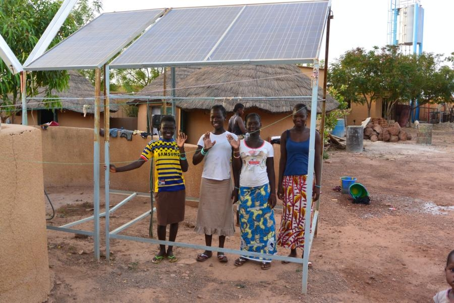 Solcelleanlæg på børnehjemmet AMPO (foto: AMPO).