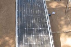 Solcelle med tilhørende akkumulator.
